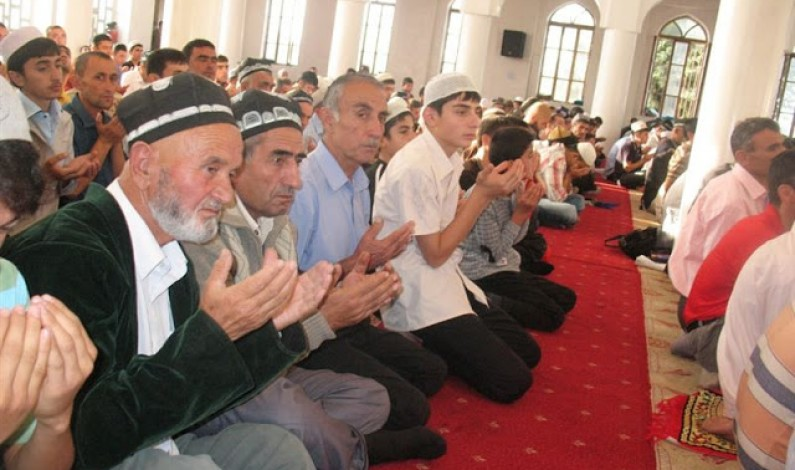 How to Pray in a Mosque?
