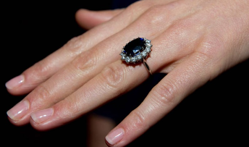 Blue Sapphire Engagement Rings: Good Or Bad?